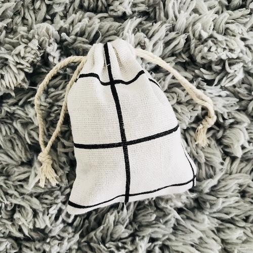 cadeauzakje | wit-zwart | geruit