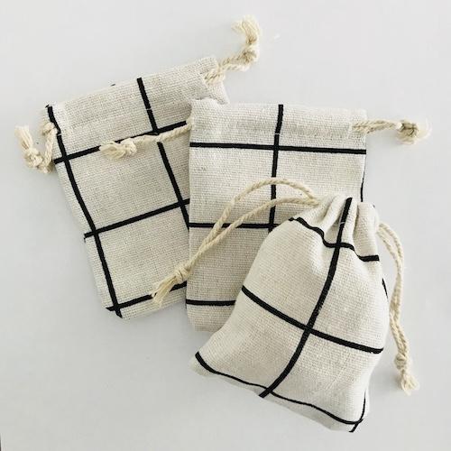 katoenen zakjes met koord   wit-zwart-   ruit