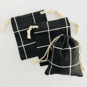 katoenen zakjes met koord | zwart-wit | ruit