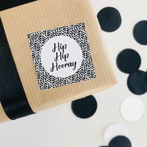 vierkante sticker | hip hip hooray